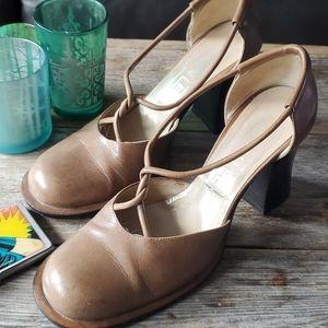 Vivien Lee vtg beige heels, size 7
